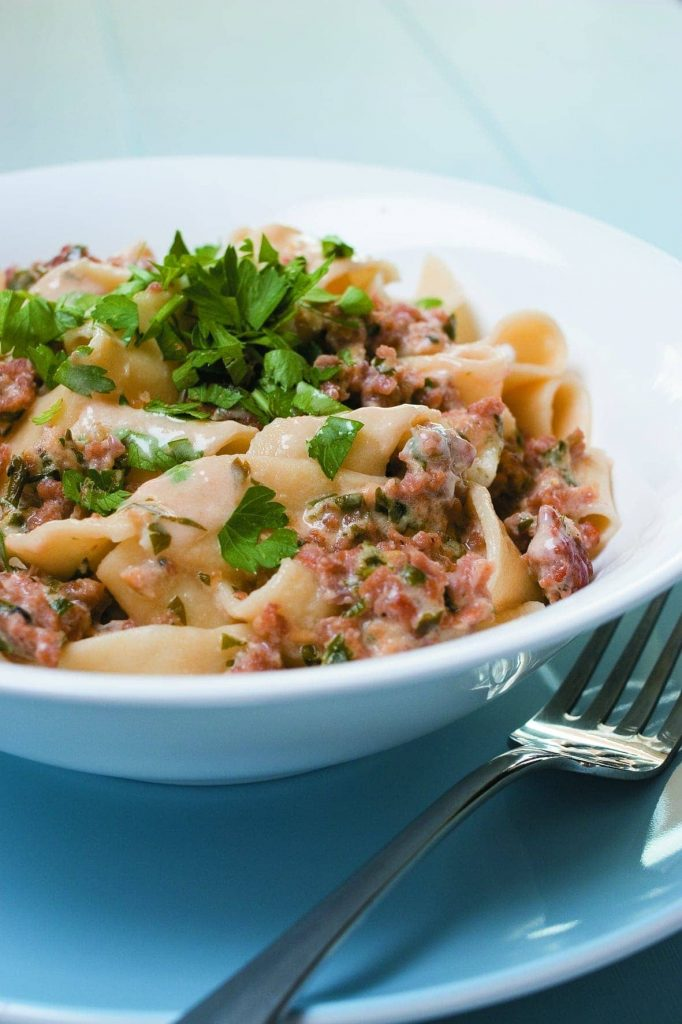 Pasta with crumbled sausage and lemon