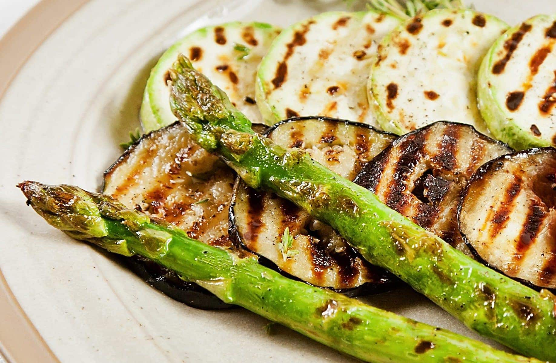 Barbecued asparagus and eggplant