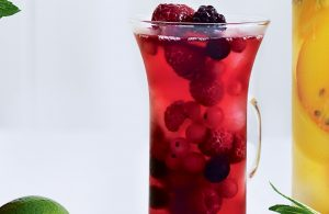 Berry-cranberry iced tea