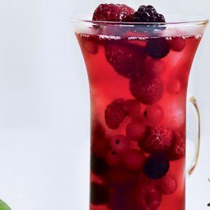 Berry-cranberry iced tea