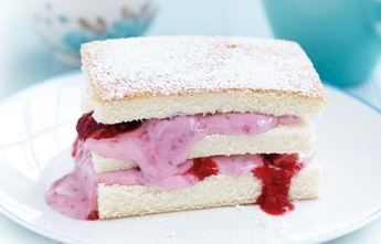 Berry sponge stacks