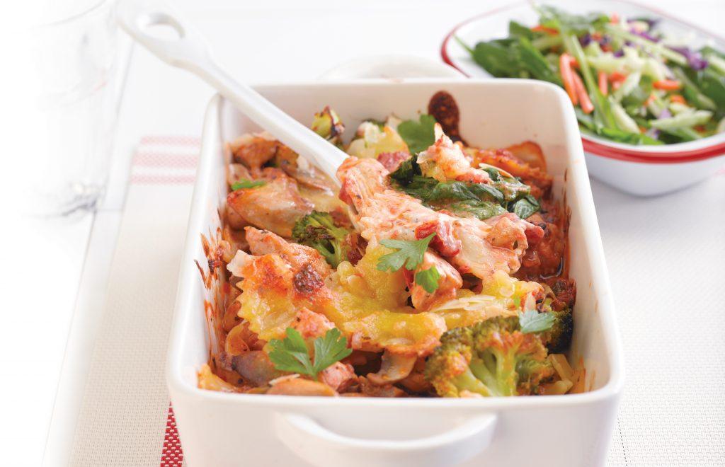 Chicken and broccoli cheesy pasta bake