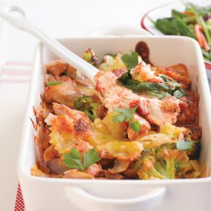 Chicken and broccoli cheesy pasta bake