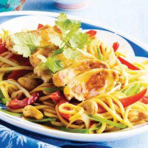 Chicken and cashew chow mein