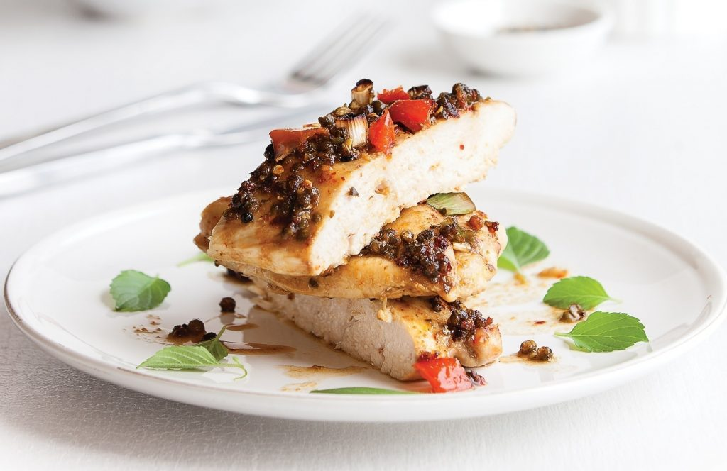 Chicken with spicy crunchy topping