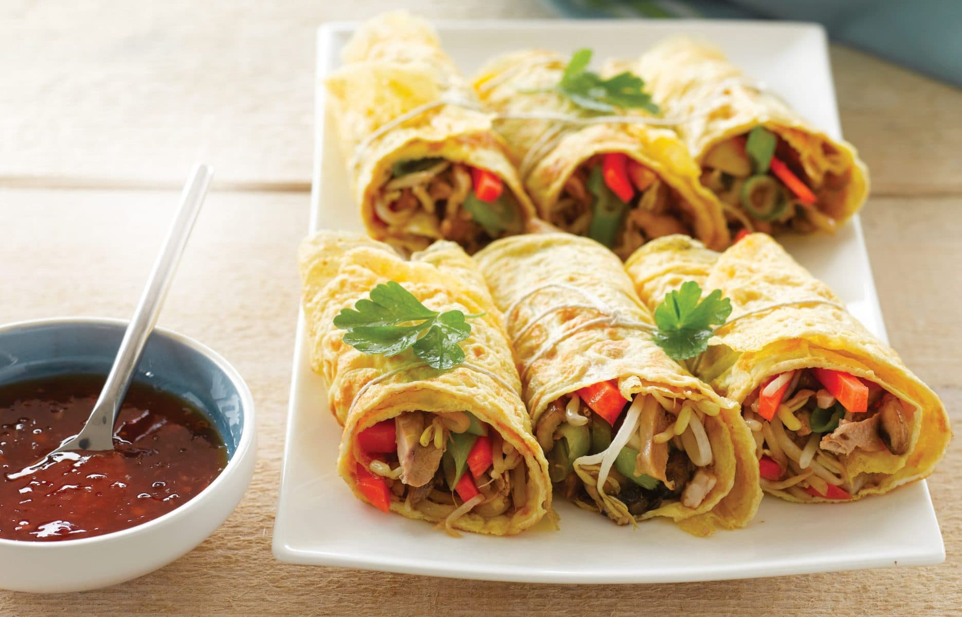 Chinese-style omelette wraps