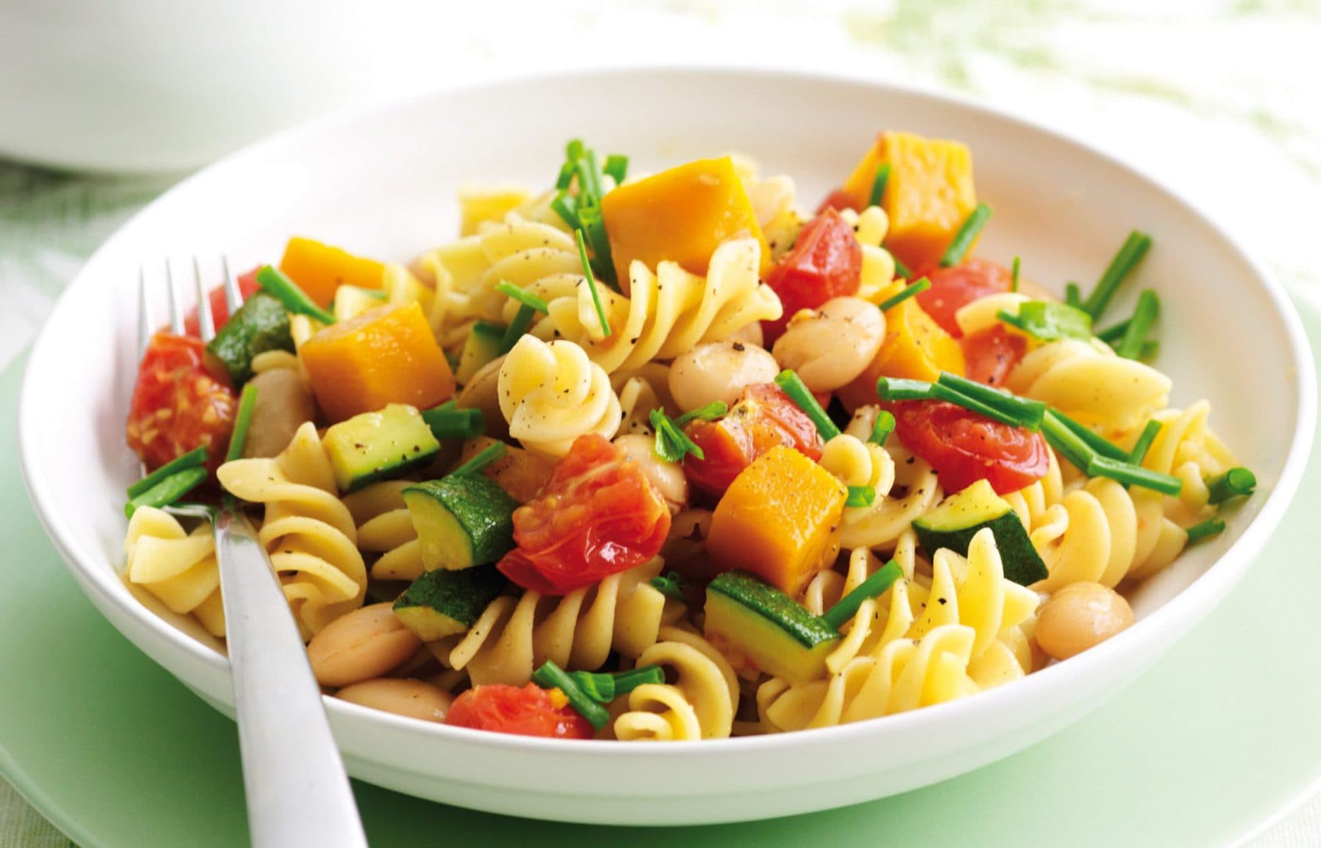 Chunky spring vege pasta with chives