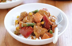 Creamy chicken and vegetable korma