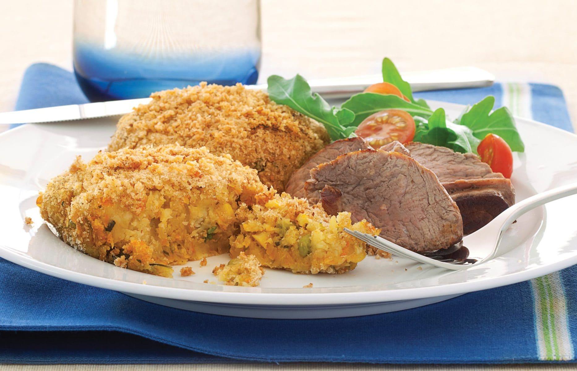 Crispy vegetable cakes with steak