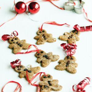 Gingerbread men hanging decoration