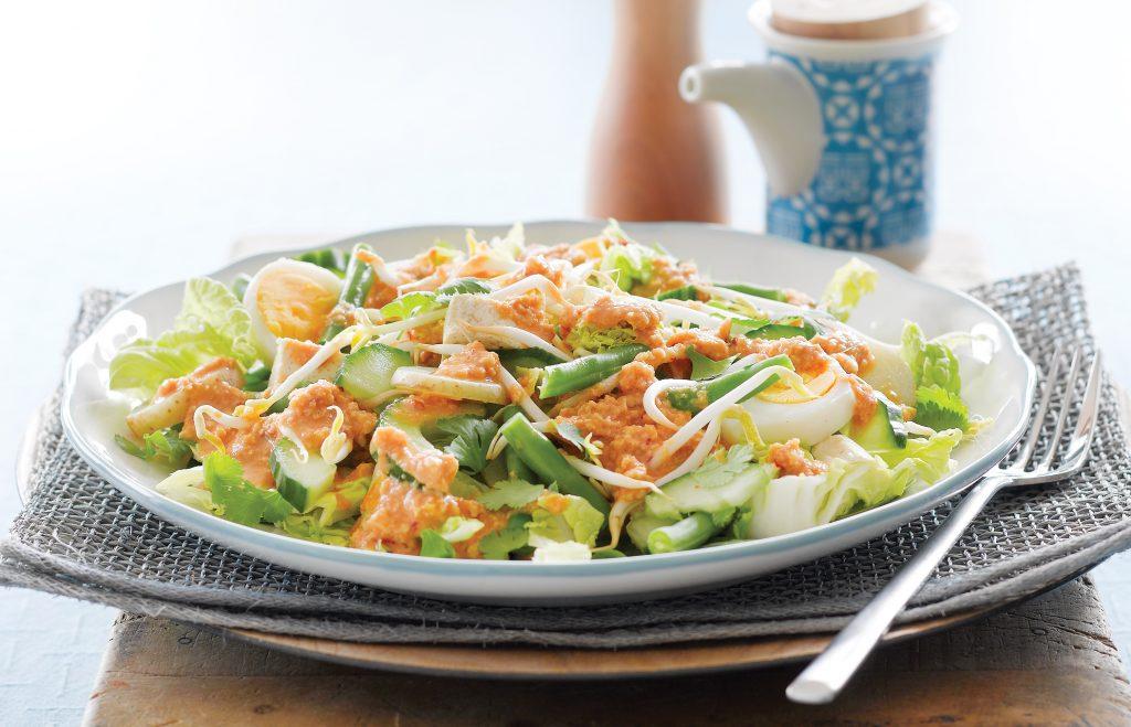 Gado gado salad (vegetables with peanut sauce)