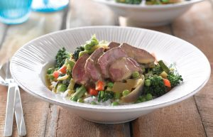 Green lamb and pea curry