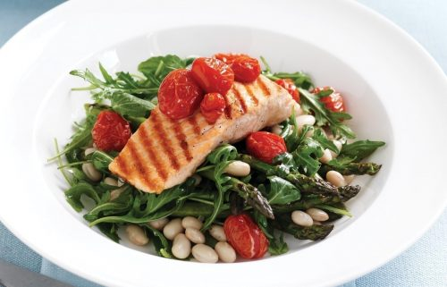 Grilled salmon with roasted tomato, asparagus and rocket