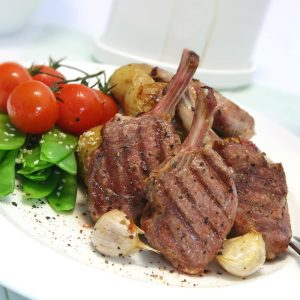 Lamb cutlets with yoghurt, mint and cucumber sauce