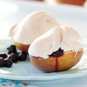 Meringue-topped peaches