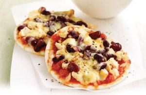 Mexican chicken pizzas