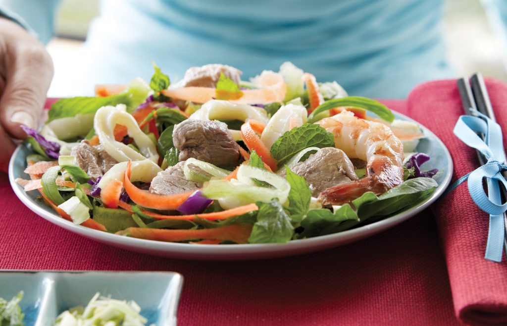 Mixed meat spicy salad