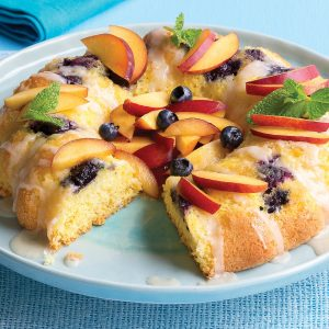 Nectarine sponge with blueberries