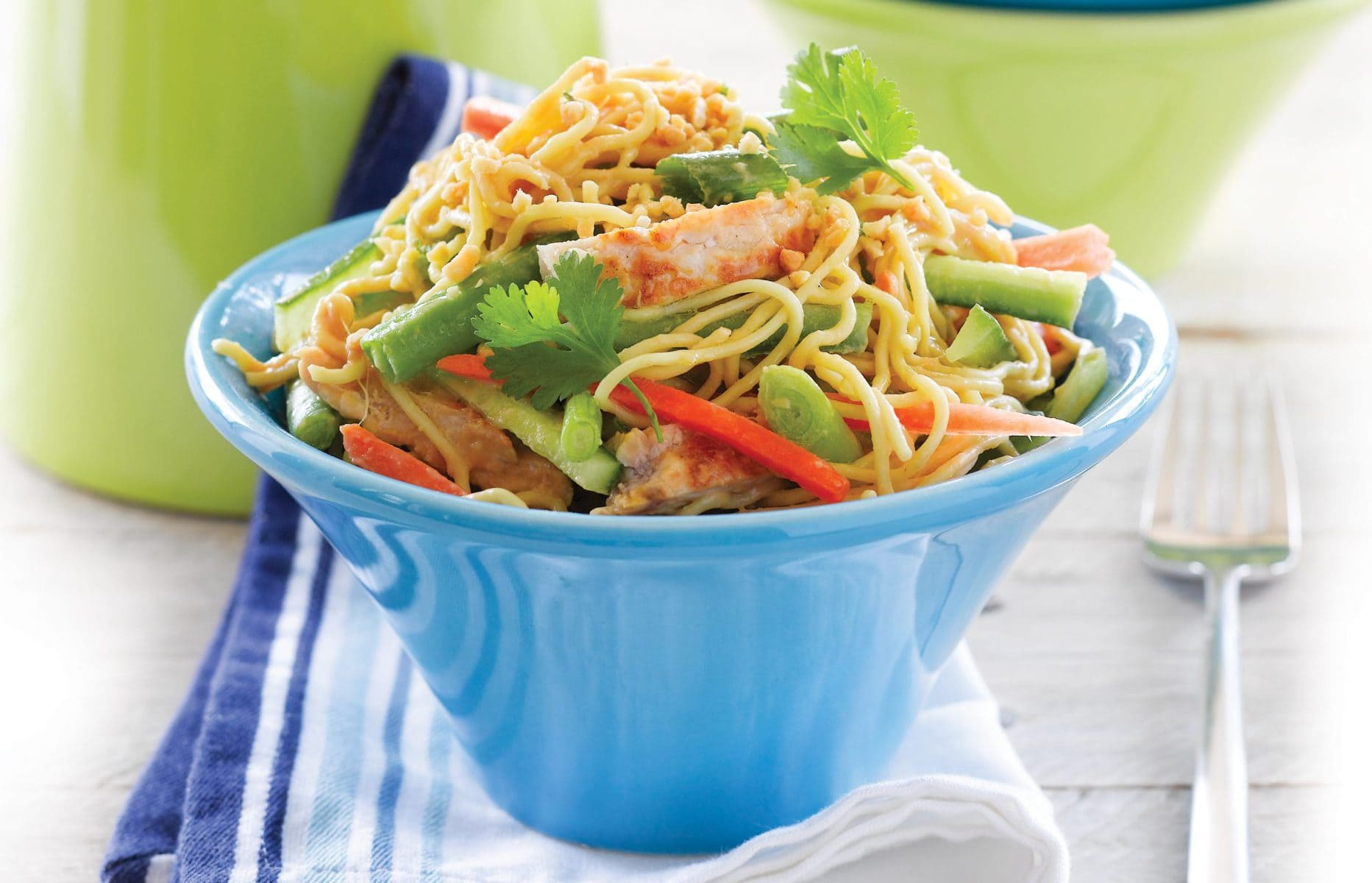 Peanut-chicken and noodle salad