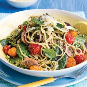 Pesto and mushroom spaghetti
