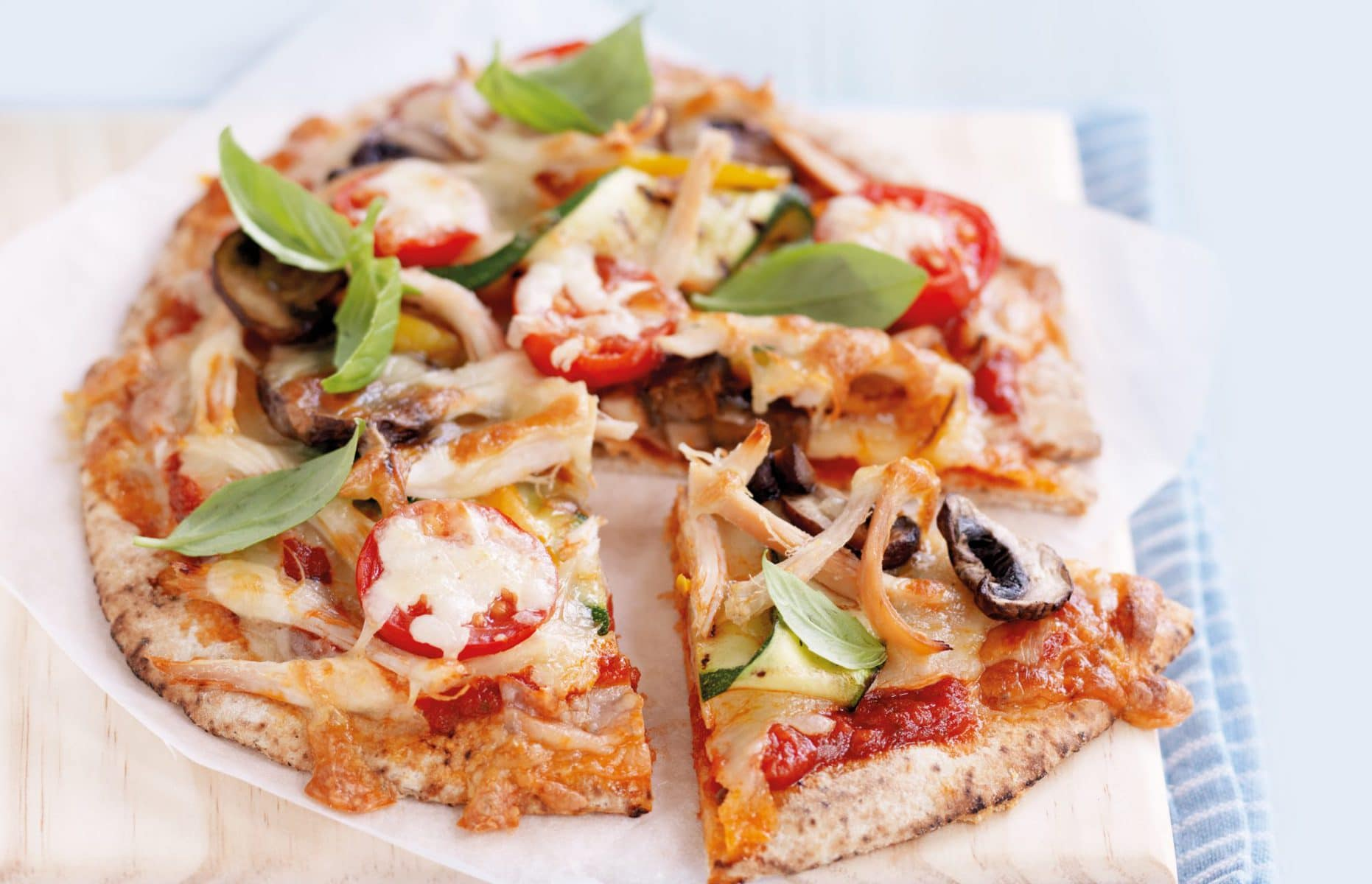 Pita bread pizza with chicken and grilled veges