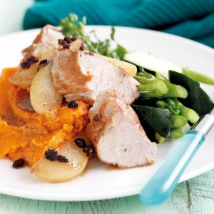Pork fillet with pan-fried pears