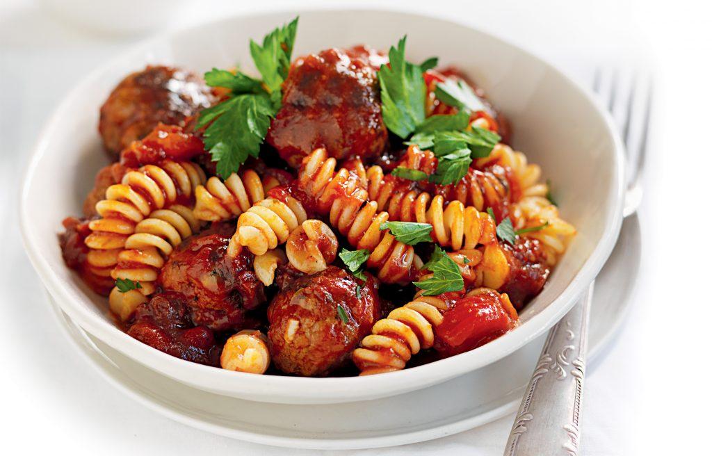 Quick meatballs in tomato sauce