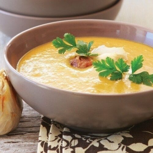 Roasted kumara and garlic soup