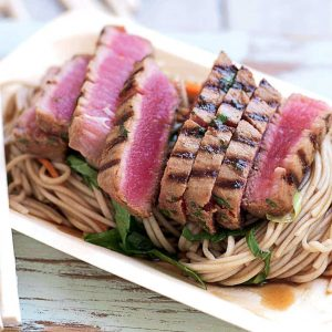 Seared tuna with soba-noodle salad