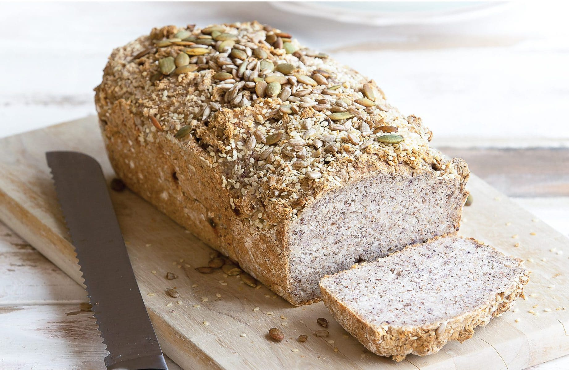 Seeded bread healthy food guide seeded bread forumfinder Images