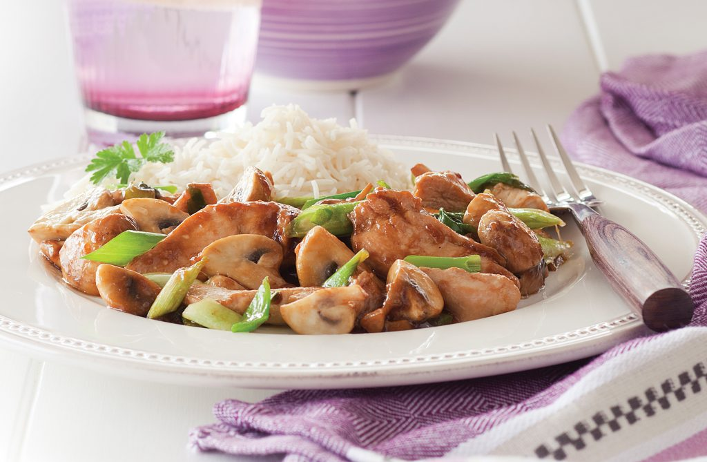 Stir-fried chicken and mushrooms
