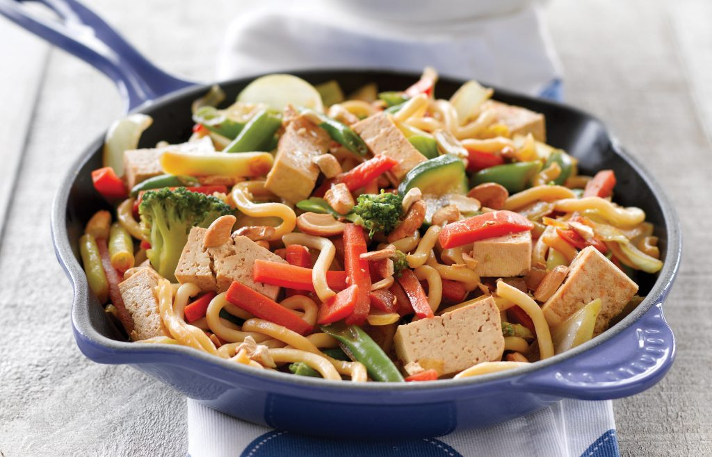 Tofu and cashew nut stir-fry