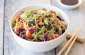 Yaki soba noodles with chicken