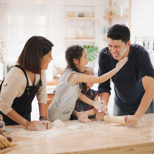 10 fun ways to keep kids busy in the kitchen