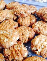 ANZAC biscuits – gluten-free!