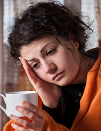 Should we feed a cold and starve a fever?