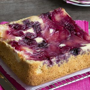 Apple and boysenberry cake