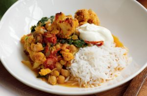 Baked cauliflower and chickpea curry