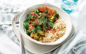 Beef, broccoli and tomato stir-fry curry