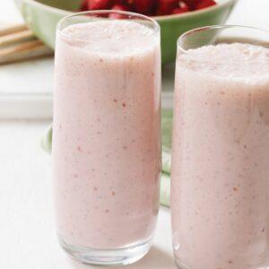 Chia, raspberry and banana smoothie