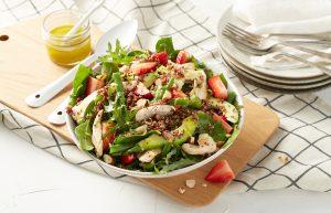 Chicken, quinoa and kale salad bowl
