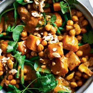 Chickpea, pumpkin and cashew korma curry