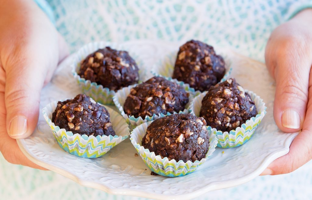 Choc-cranberry bliss balls