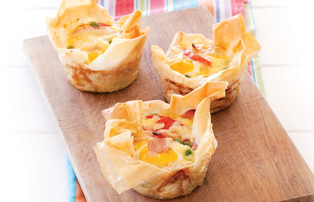 Egg and bacon picnic pies