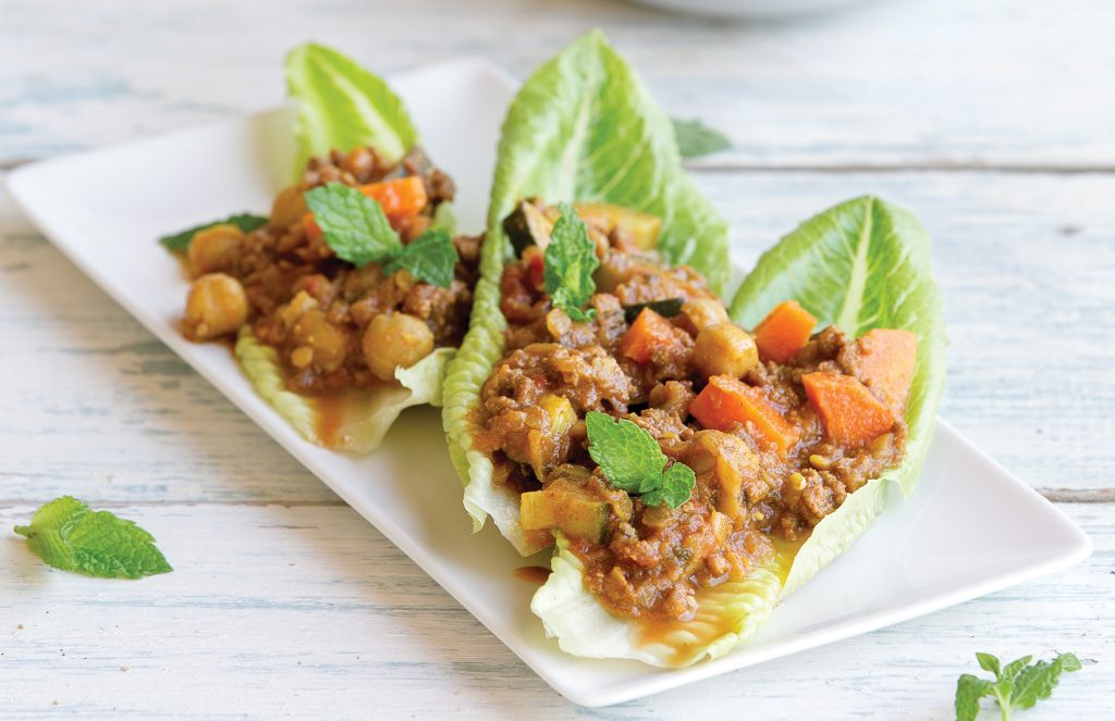 Mince lettuce cups