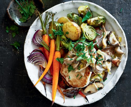 Pan-fried pork with mushroom and leek sauce