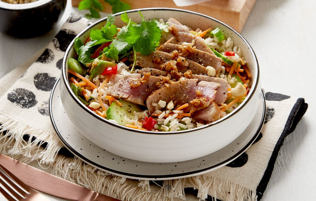 Seared tuna with a spicy rice salad and Asian flavourings