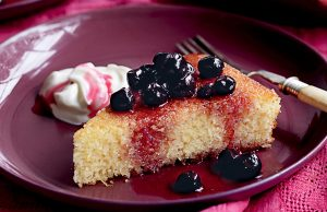 Semolina cake with blueberry compote