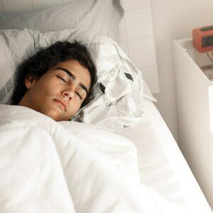 Sleep your teen to better behaviour