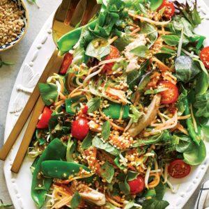 Som tum gai salad (paw paw salad)